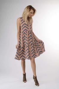 Sukienka Nommo w stylu casual oversize