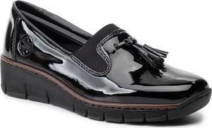 Czarne półbuty Rieker w stylu casual