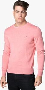 Różowy sweter Tommy Hilfiger w stylu casual