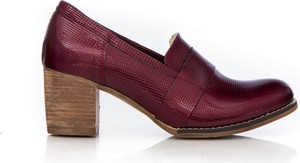 Czerwone półbuty Zapato z zamszu