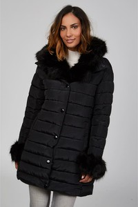 Czarny płaszcz Curvy Lady