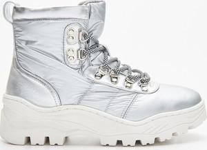 Srebrne buty zimowe Cropp