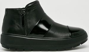 Czarne botki Geox na koturnie w stylu casual na zamek