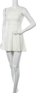 Sukienka Monteau mini z okrągłym dekoltem