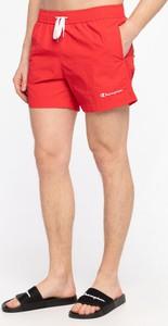 Czerwone spodenki Champion w sportowym stylu