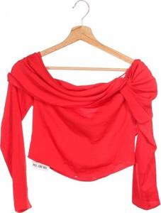 Czerwona bluzka NA-KD z okrągłym dekoltem w stylu casual