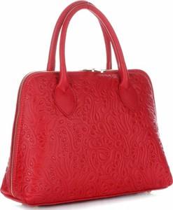 Eleganckie torebki skórzane kuferki firmy genuine leather czerwone