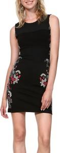 Czarna sukienka Desigual mini z okrągłym dekoltem