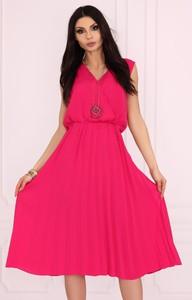 Różowa sukienka MERRIBEL z dekoltem w kształcie litery v