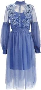 Sukienka Yaze z tiulu maxi