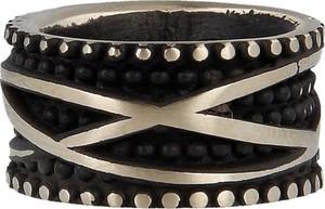"""Pietro Ferrante Pierścień ze wklęsłą częścią zdobiony czarnymi ćwiekami przeplatane złotem w stylu """"Black Vintage"""""""