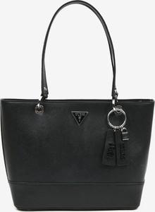 Czarna torebka Guess na ramię lakierowana duża