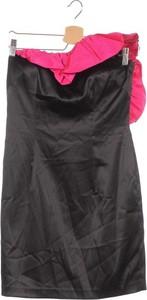 Czarna sukienka Aqua z dekoltem w kształcie litery v mini