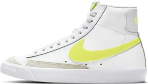 Buty sportowe Nike sznurowane z płaską podeszwą