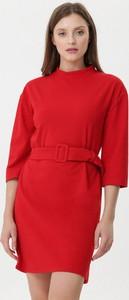 Czerwona sukienka born2be w stylu casual