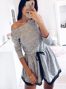 Sukienka Pakuten z długim rękawem mini w stylu casual