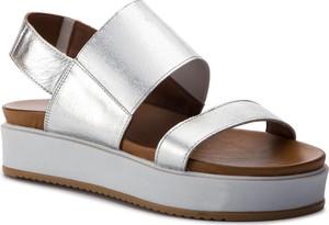 Sandały Inuovo na średnim obcasie ze skóry w stylu casual