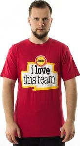 Czerwony t-shirt Mitchell And Ness z krótkim rękawem