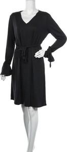 Czarna sukienka Yaya w stylu casual z dekoltem w kształcie litery v mini