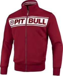 Czerwona bluza Pit Bull w młodzieżowym stylu
