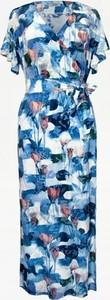 Niebieska sukienka Bien Fashion z dekoltem w kształcie litery v z krótkim rękawem kopertowa