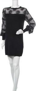 Sukienka Yumi z okrągłym dekoltem mini