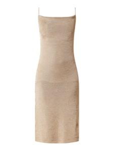 Sukienka Bardot z dekoltem w karo prosta