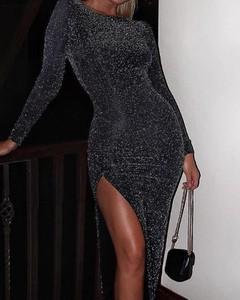 Sukienka Kendallme z okrągłym dekoltem dopasowana z długim rękawem