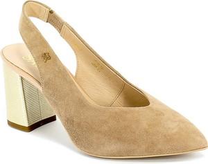 Brązowe sandały Sala na średnim obcasie ze skóry