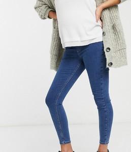 Topshop Maternity – Joni – Niebieskie jeansy o obcisłym kroju odsłaniającym brzuch