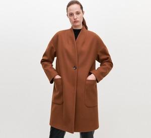 Brązowy płaszcz Reserved w stylu casual