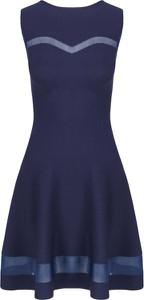 Sukienka Guess trapezowa mini bez rękawów