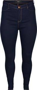 Niebieskie jeansy Zizzi w street stylu z jeansu