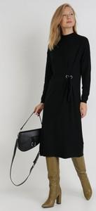 Sukienka born2be midi z długim rękawem w stylu casual