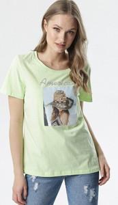 Zielona bluzka born2be z okrągłym dekoltem z krótkim rękawem z nadrukiem