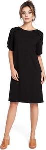 Czarna sukienka BeWear z okrągłym dekoltem