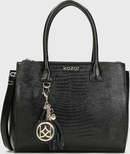 Czarna torebka Kazar do ręki średnia