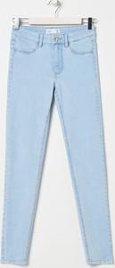 Niebieskie jeansy Sinsay w stylu casual