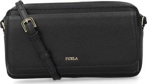 Czarna torebka Furla średnia
