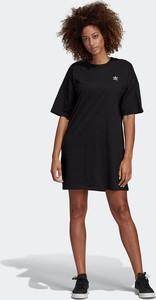 Sukienka Adidas z okrągłym dekoltem mini z krótkim rękawem