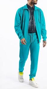 Niebieska bluza ubierzsie.com z tkaniny