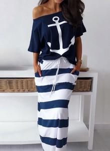 Sukienka Cikelly z dresówki w stylu casual z krótkim rękawem