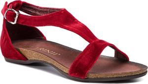 Sandały Carinii w stylu casual z klamrami z płaską podeszwą