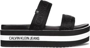 Klapki Calvin Klein w stylu casual