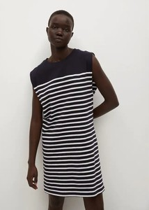 Czarna sukienka Mango z okrągłym dekoltem mini bez rękawów