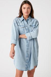 Niebieska sukienka Wrangler w stylu casual z długim rękawem koszulowa