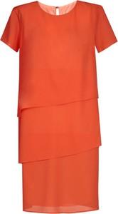 Pomarańczowa sukienka Fokus midi z okrągłym dekoltem z krótkim rękawem