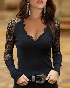 Bluzka Kendallme z dekoltem w kształcie litery v w stylu casual