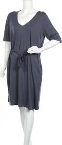 Niebieska sukienka Junarose