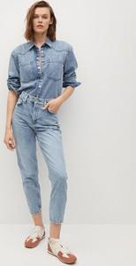 Niebieskie jeansy Mango w street stylu